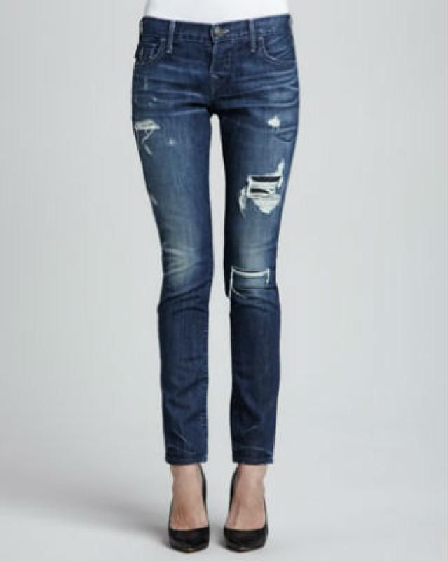 The Best Boyfriend Jeans for Your Body Type: Tapered Boyfriend Jeans for Petites