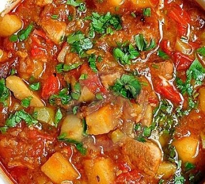Ingredients: 1 lbs lean beef 1 lbs lean veal (or all beef) 3 tbsp fat ( butter, olive oil, or lard) 1 large onion 1 tsp. salt 1 tsp. paprika 1 cup strained tomatoes 8 small peeled potatoes