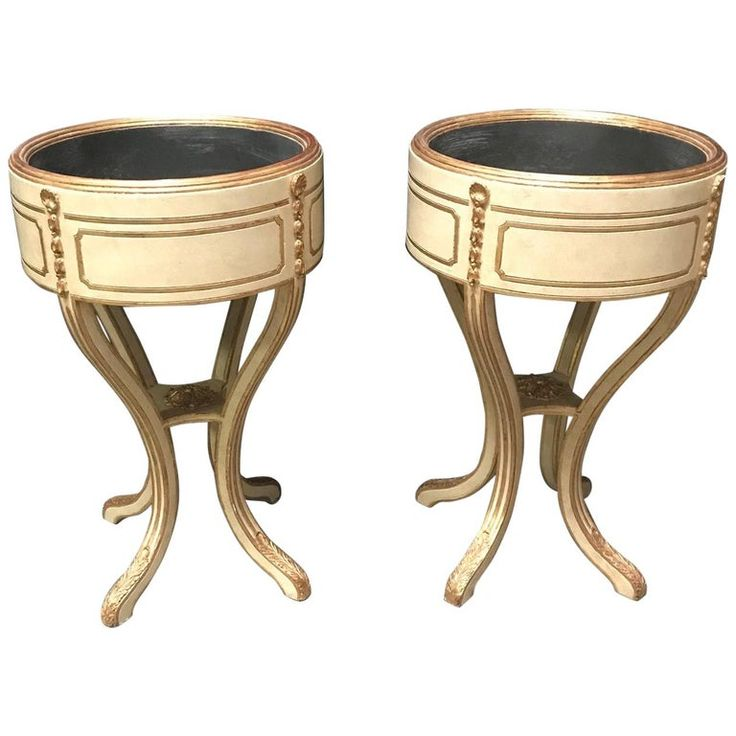 Pair Of Italian Neoclassical Style Painted Jardinière