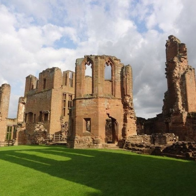 Kenilworth Castle Warwickshire England   Where i was raised and went t school.