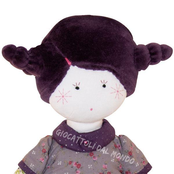 Madame Constance - particolare. Bambola di stoffa Moulin Roty su http://www.giocattolidalmondo.it/articoli/327/bambola-di-stoffa-madame-constance-bambole-di-stoffa-moulin-roty.htm
