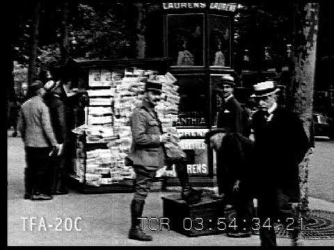 Seeing Paris #1 1920s