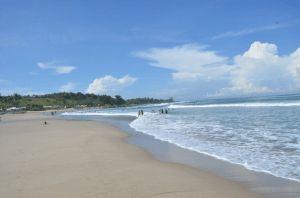 Pantai Pasir Putih Sawarna