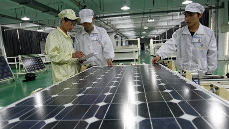 WTO rules Ontario green energy tariff unfair - http://f3v3r.com/2012/11/19/wto-rules-ontario-green-energy-tariff-unfair/