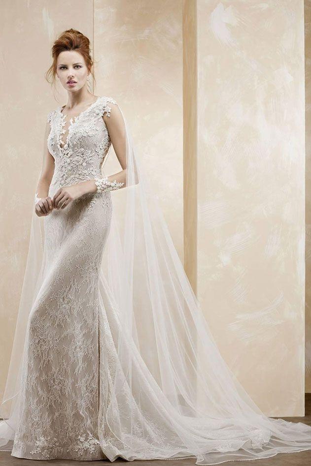 L'abito da sposa a sirena rende la silhouette femminile più sensuale e seducente.