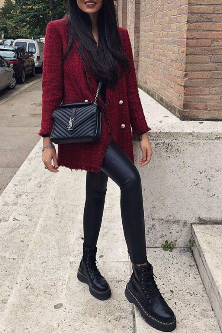 bd7adc83c946 Mode femme automne hiver avec un pantalon similicuir, des bottines rock et  une veste bordeaux
