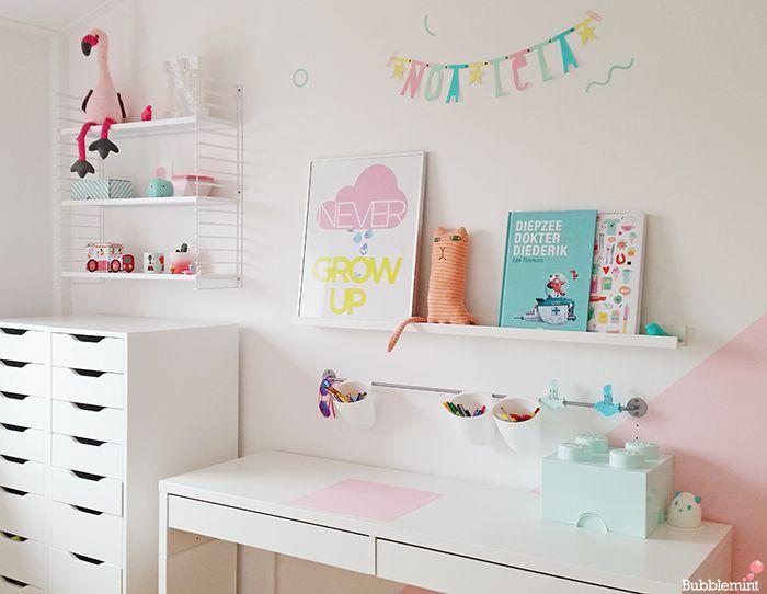 #zoet kamertje in #pastelkleuren. En de mooie #letterslinger in #pastel die we ook hebben via www.dreumesenzo.nl. #meisjeskamer #inspiratie.
