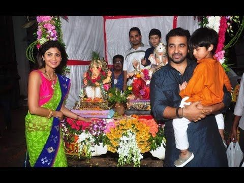 WATCH Shilpa Shetty's home Ganpati Visarjan   GANESH CHATURTHI 2015. See the full vidoe at : https://youtu.be/wj7lMz9IFS4 #shilpashetty
