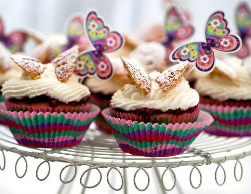 """Пасхальные кексы """"Бабочки"""" http://www.kakprosto.ru/kak-835620-pashalnye-keksy-babochki"""