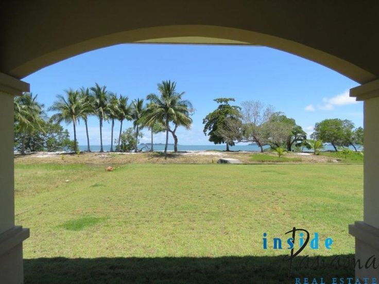Ocean Front 4 Bedroom Home For Sale in Boca Chica. This beautiful house offers direct access to the beach and amazing views from your terrace!