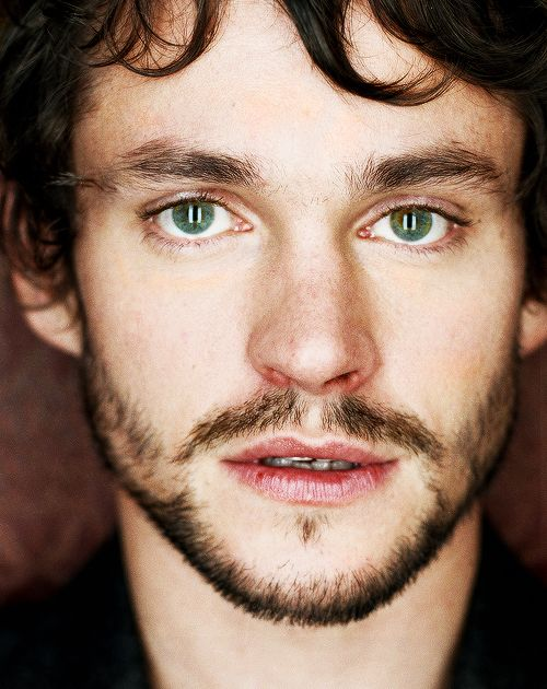Up close and personal with Hugh Dancy. #actor #men