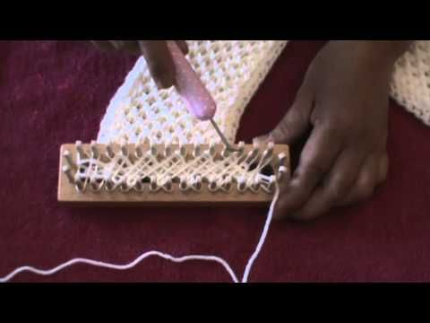 CRISS CROSS STITCH (Loom Knitting) Learn the Criss Cross Stitch on the Knitting Board. This is a great stitch for blankets, sweaters, scarves and hats.