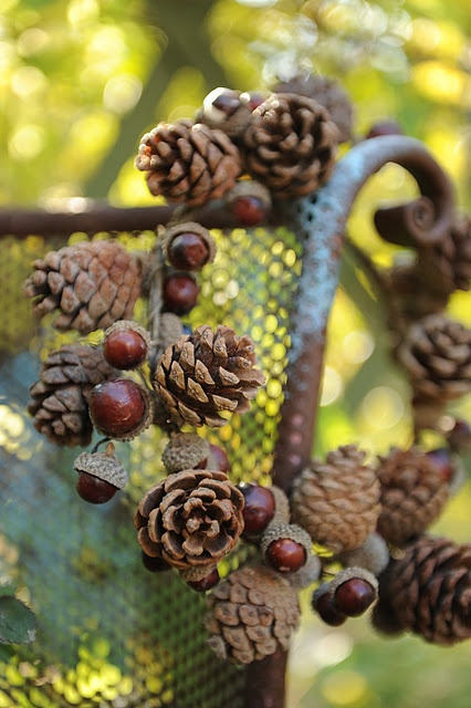 rustic pinecone wreath