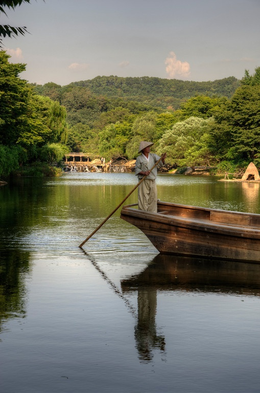 Boater, Korean Folk Village, Suwon, South Korea.    www.alessandrodivito.it