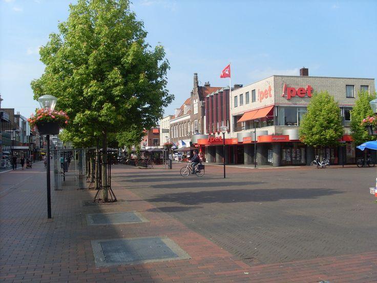 Het hart van Hoogeveen. De winkelstraat.