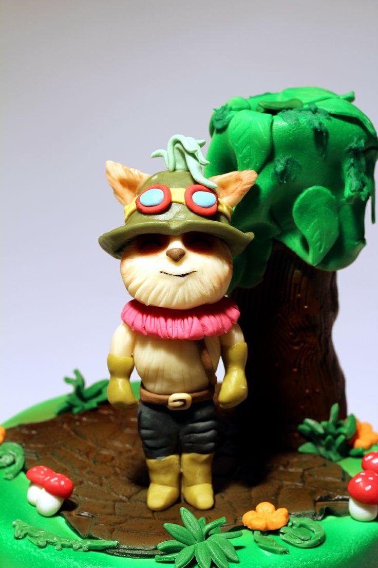 League of Legends Cake Topper.See award winning cakes from london patisserie http://www.pinkcakeland.co.uk