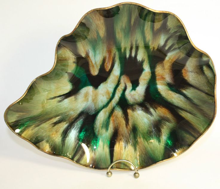Vintage Large Seetusee Glass Dish Leaf Scalloped Mayfair Portage La Prairie Wow