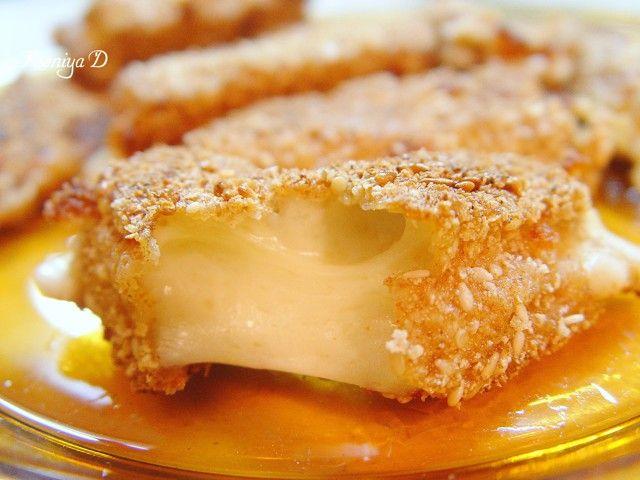 Лепешечки и жареный сыр
