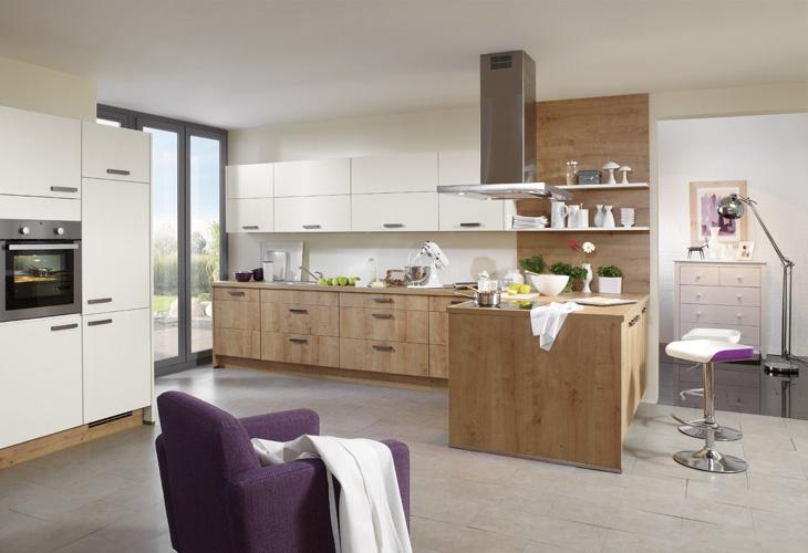 Küche in hellem Holz #Holzküche #Kücheninsel www.dyk360-kuechen.de ...