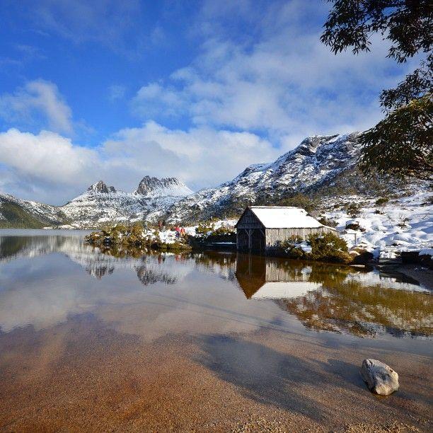 Dove lake #Tasmania #Australia   by lovethywalrus (instagram)