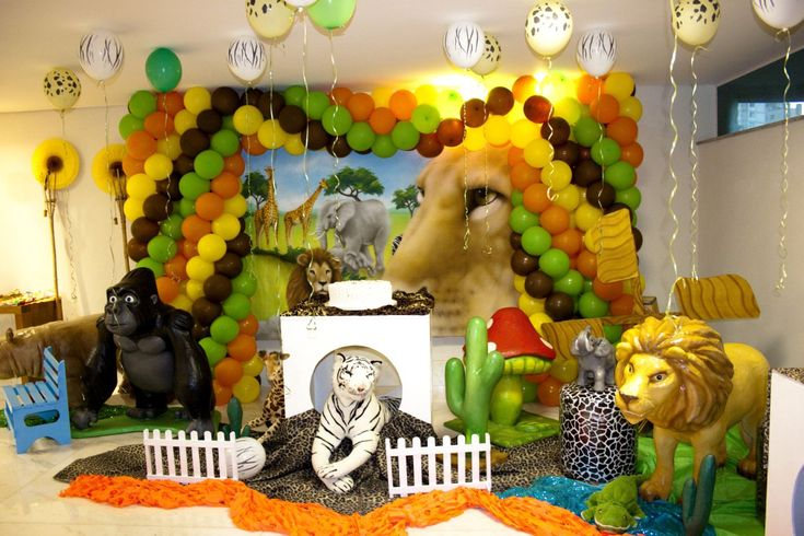 safari birthday party supplies | fun jungle party images of her sons 2 year birthday party such a ...
