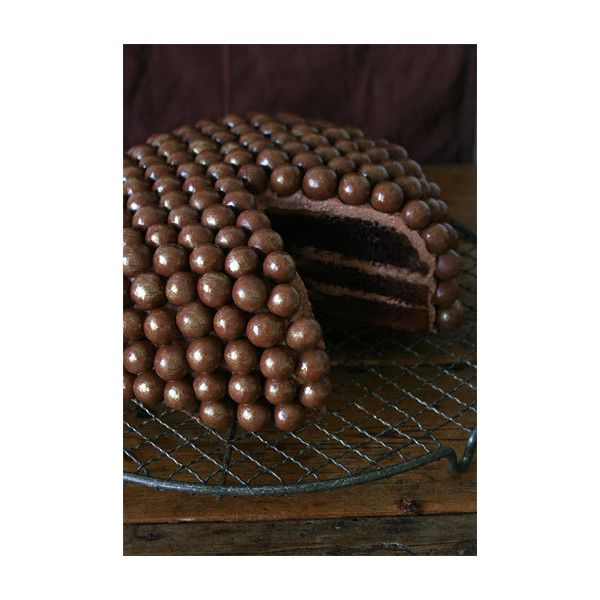 SPICED CHOCOLATE CAKE ❤ liked on Polyvore featuring food, cakes, chocolate, sweets and backgrounds