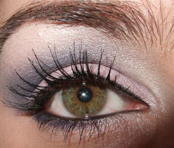This is my go-to look! It's a purple smokey eye, and it brings out the green in hazel and brown eyes. This look is from UK makeup artist Lauren Luke. Her youtube eye makeup tutorials are brilliant! #panacea81