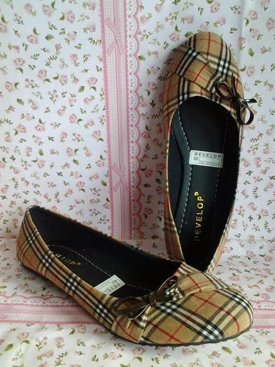 Flat Shoes Brown Burberry