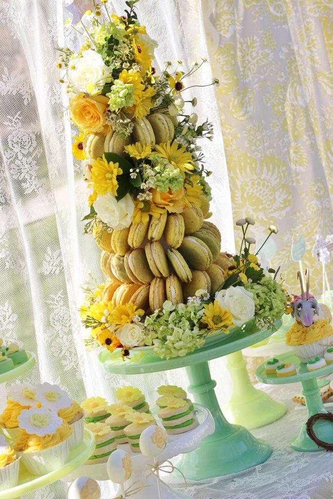 Tutorial: How to Make a Dramatic Flower and Macaron Dessert Table Centerpiece | TikkiDo.com