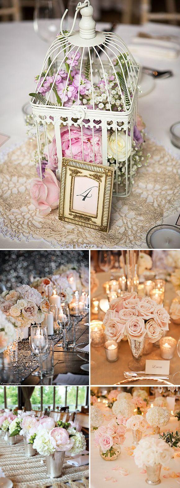 Los centros de mesa con flores son un adorno perfecto para nuestra boda