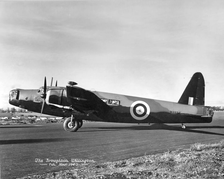 Photo a wellington bomber built at the vickers for 104 the terrace wellington