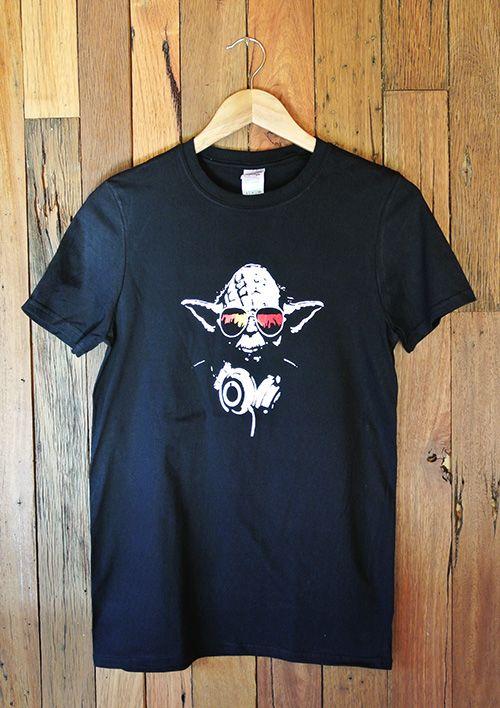 Mens T- Shirt DJ Yoda