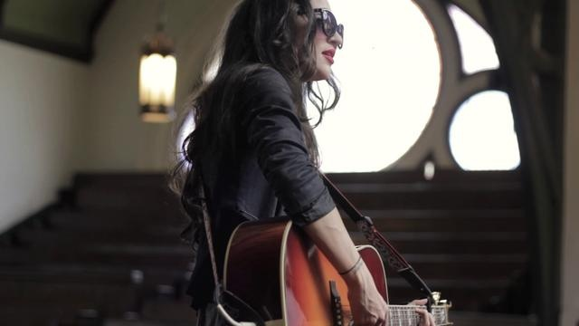 Lindi Ortega- Angels (Wood & Wires Session)