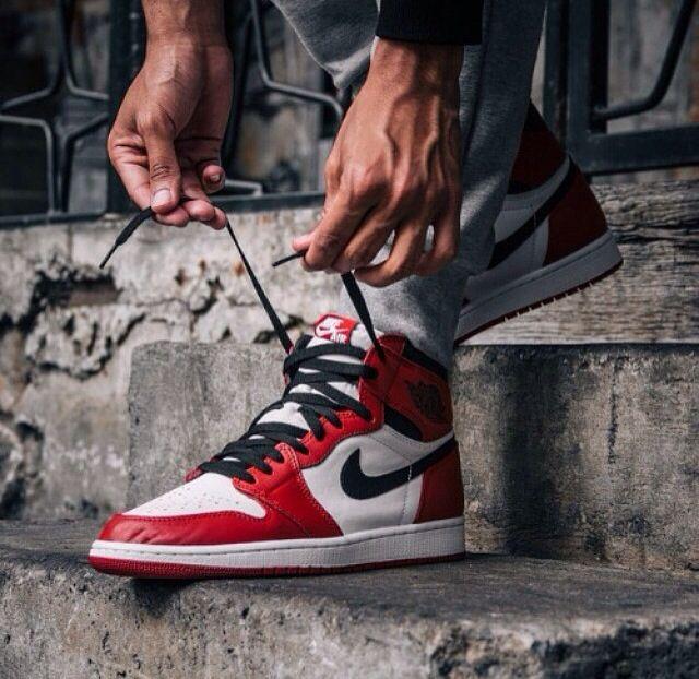 "Air Jordan 1 Retro High OG ""Chicago."" I need a pair ???? #nike ..."