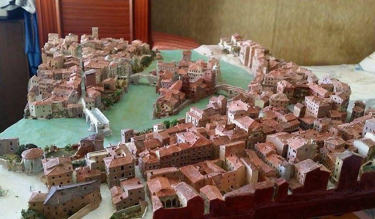 C'è chi l'amore per Roma l'ha anche dimostrato creando questo bellissimo plastico di com'era la città nel 1850. :)