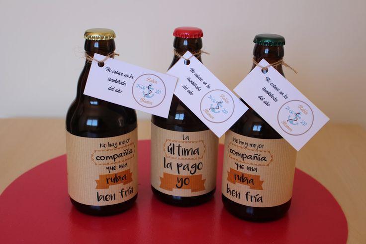 Cervezas artesanales de diferente graduación etiquetadas perfectamente para tu boda con frases representativas de los novios. También incluyen etiquetado personalizado con logo, fecha de enlace, etc.