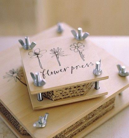 flower press Read More at: diyavdiy.blogspot.com