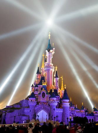 Everything you need to start planning a visit to Disneyland Paris!