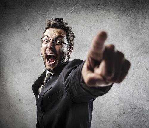Mobbing hat viele Gesichter, doch unabhängig von der Art, ist es für die Opfer immer schwer, sich gegen Mobbing zu wehren. Was Sie tun können:   http://karrierebibel.de/mobbing/