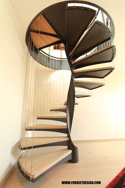 les 25 meilleures id es de la cat gorie escalier de luxe sur pinterest grande cage d 39 escalier. Black Bedroom Furniture Sets. Home Design Ideas