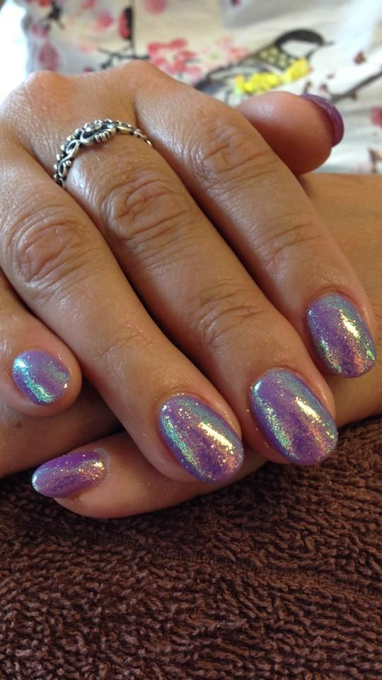 How lovely are these! By Kellie Austin #Lecente Capri #glitter over #CNDshellac Lilac Longing. LOVE!