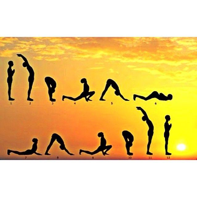 """Bom dia!  Nossa manhã se inicia com muitas energias positivas e contato com a natureza. Para quem também ama começar a semana assim, deixamos aqui a """"saudação ao Sol"""". ☀️ Essa sequência de yoga trabalha todo o corpo. Tenha uma ótima segunda-feira! #rdosol #yoga #saudaçãoaosol"""