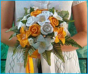 """Wish I would have made crochet wedding bouquets for my wedding! Would have been so """"me"""" (in purple of course)."""