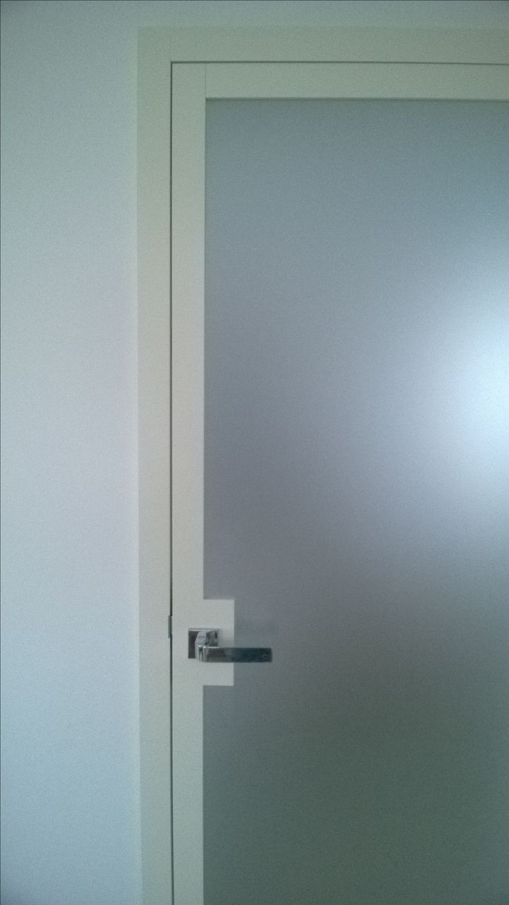 LUMINA door with frosted glass
