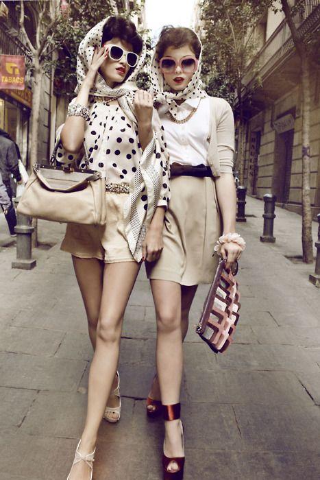 City girls: Head Scarfs, Retro Chic, Polka Dots, Retrofashion, Fashion Models, Outfit, Retro Fashion, Retro Style, Vintage Style