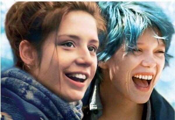 Blau ist eine warme Farbe: Die zwei Seiten von Liebe. Ein sehenswerter Film - nicht nur für Jugendliche. Es tut uns zuweilen ganz gut, uns in die Position anderer hineinzuversetzen, um ihre Welt etwas besser zu verstehen. Blau ist eine warme Farbe, spricht über die zwei Seiten von Liebe. Es ist ein Film über sexuelle Vielfalt, ein Lied, das der Romantik gewidmet ist.