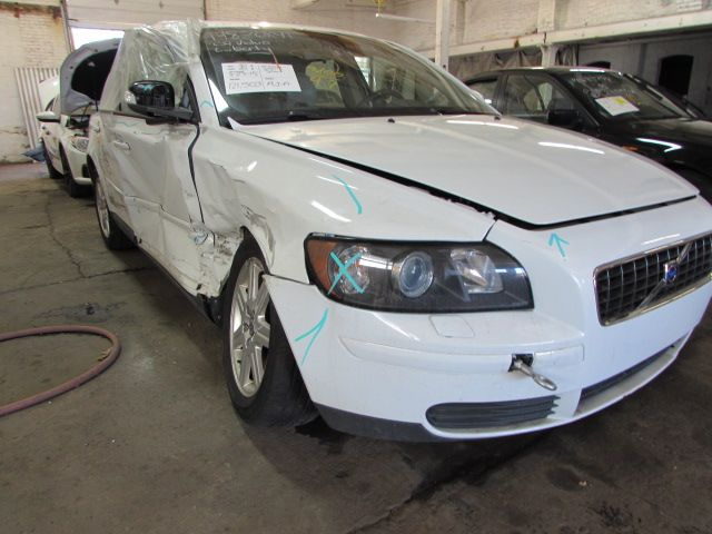 Parting out 2007 Volvo S40 – Stock # 150144 « Tom's Foreign Auto Parts – Quality Used Auto Parts
