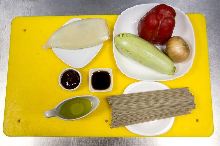 Гречневая лапша с кальмарами - рецепт - как приготовить - ингредиенты, состав, время приготовления - Леди Mail.Ru