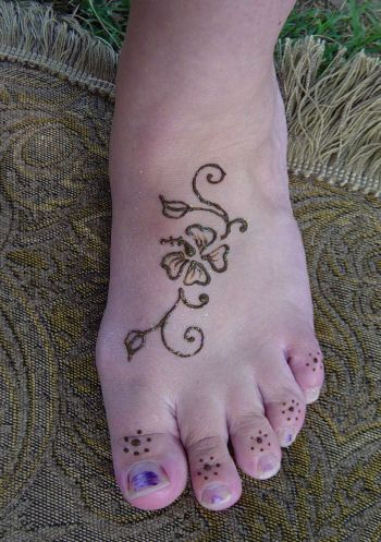 henna flower design by sherylnd, via Flickr