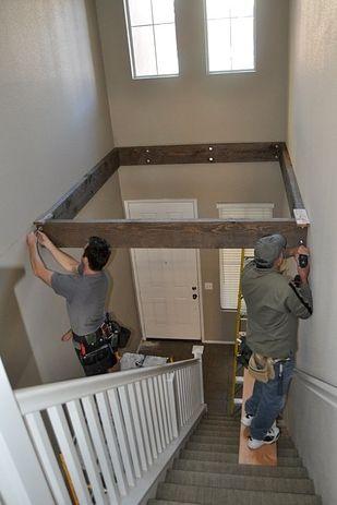 Transformez un espace vide au-dessus d'un escalier en espace de jeu. | 38 idées géniales pour transformer votre maison